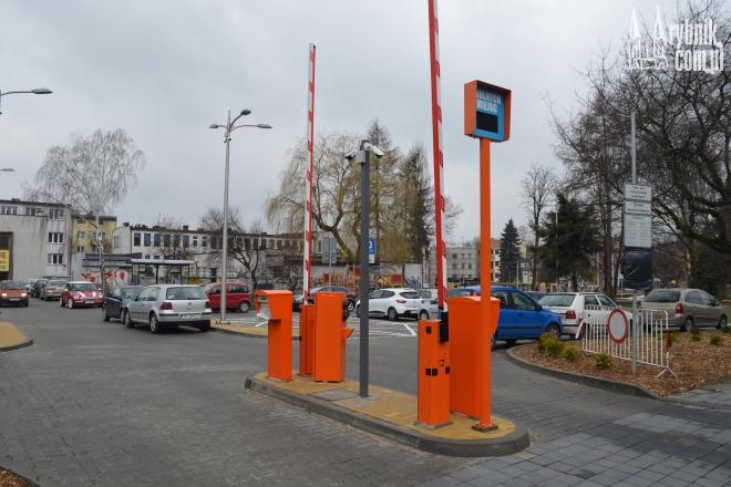 Nowy parking na Kościuszki jest jeszcze w pełni darmowy, wkrótce to się zmieni