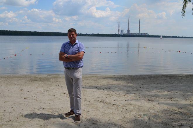 Dariusz Kosteczko prezentuje pierwszą legalną plażę w Rybniku