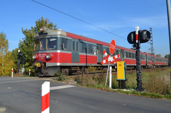 Przejazd kolejowy przy ul. Rybnickiej w Czerwionce-Leszczynach doczekał się sygnalizacji świetlnej i dźwiękowej