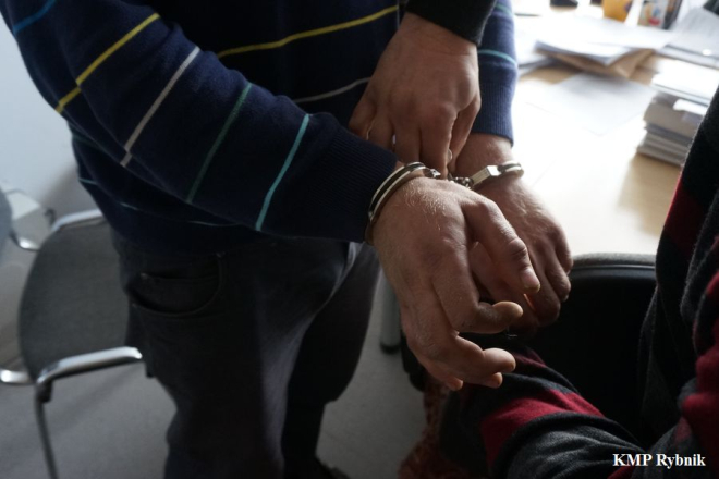 Rybnicka policja ujęła 31-letniego rybniczanina. Proponował dziecku seks