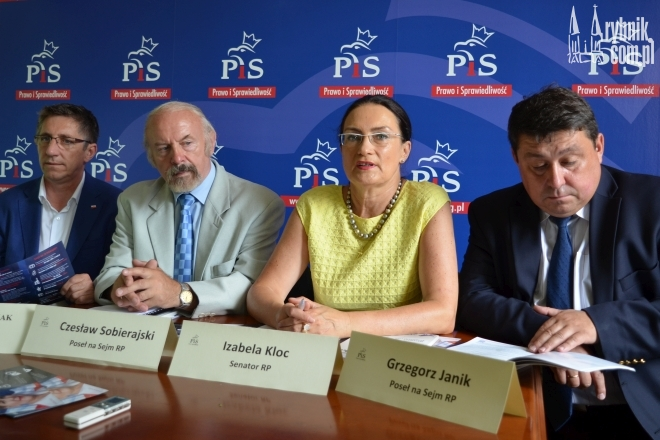 Listę Prawa i Sprawiedliwości w naszym regionie otwierać będą obecni parlamentarzyści. Od lewej: Grzegorz Matusiak, Czesław Sobierajski, Izabela Kloc i Grzegorz Janik
