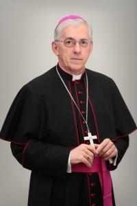 Jednym z autorów słowa do wiernych nt. smogu jest abp Wiktor Skworc