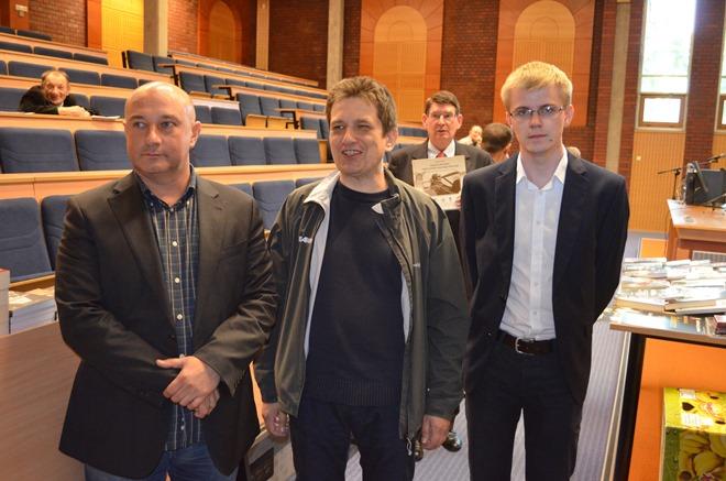 Na zdjęciu: Tadeusz Płużański, Michał Brewczyk (organizator spotkania) oraz Kajetan Rajski