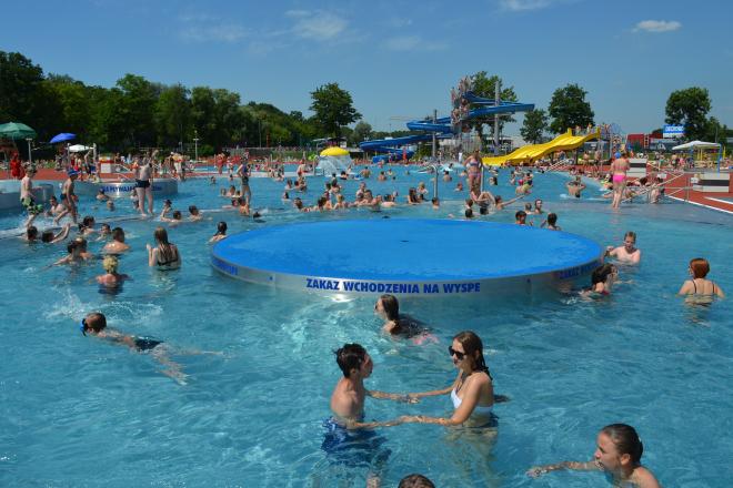 Kąpielisko Ruda tętni życiem. Czy w ten weekend padnie kolejny rekord frekwencyjny?
