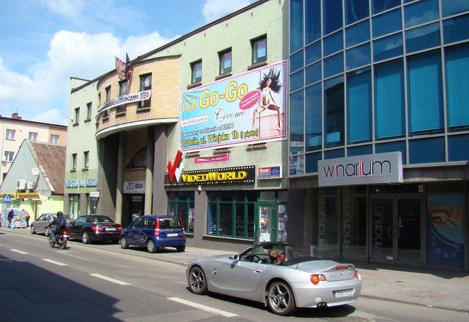 Klub z tancerkami go-go powstaje przy ul. Wiejskiej.