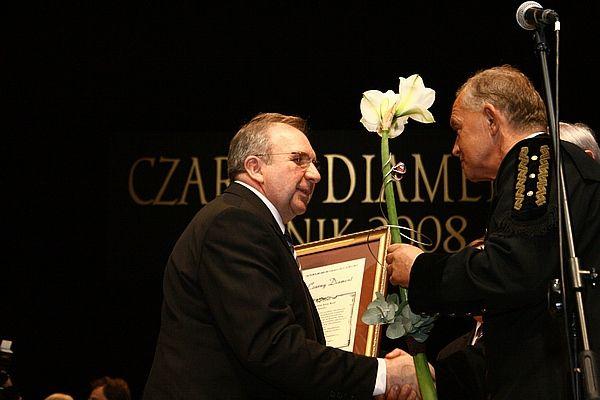 Nagrodę odbiera rybnicki cukiernik Jerzy Król