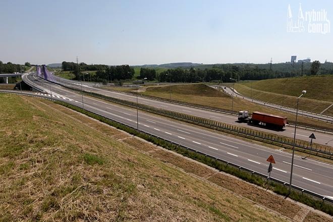 Nowo otwarty odcinek A1 już do remontu. Są pęknięcia w jezdni, Dominik Gajda