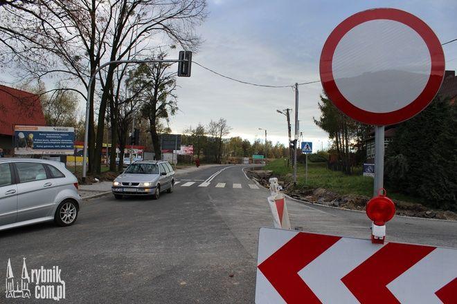 W poniedziałek na Wodzisławskiej obowiązywał jeszcze zakaz ruchu. W czwartek drogą będzie można już przejechać