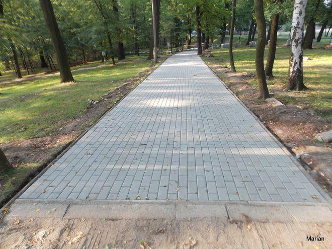 W Parku na Kozich Górach powstał nowy chodnik