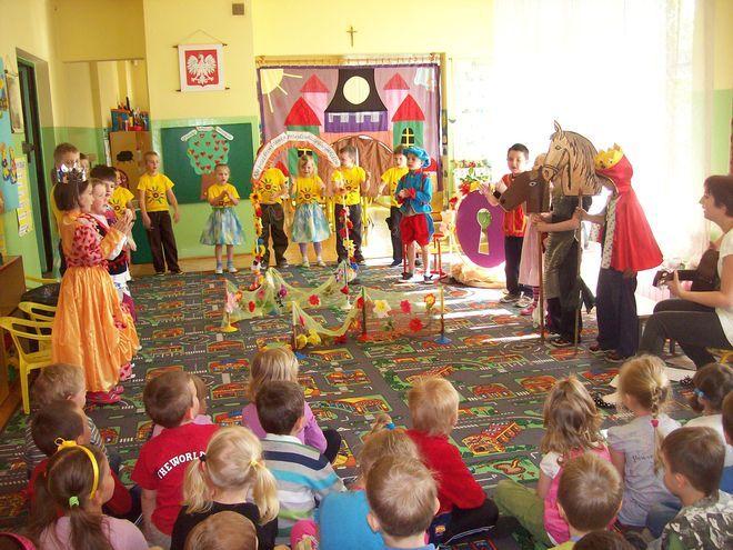 Przedszkolaki sprawdziły się w roli aktorów i widzów