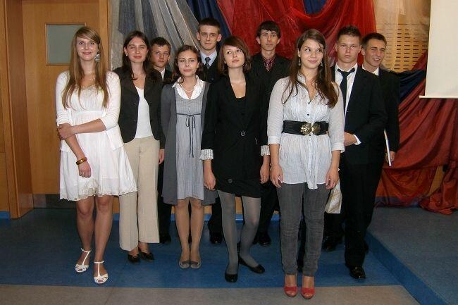 Wszyscy uczestnicy VII Wojewódzkiego Konkursu Poezji Metafizycznej.