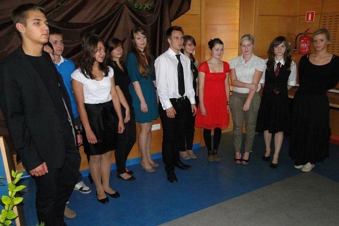 Uczestnicy Wojewódzkiego Konkursu Recytatorskiego Poezji Metafizycznej