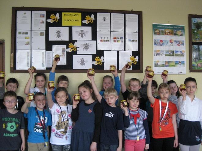 Uczniowie SP 12 wzięli udział w ubiegłorocznej edycji Akademii Przyjaciół Pszczół