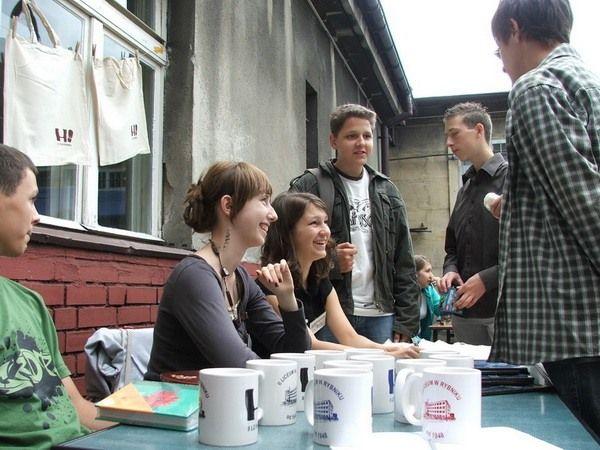 Uczniowie II LO podczas czerwcowego ''Pikniku II LO''
