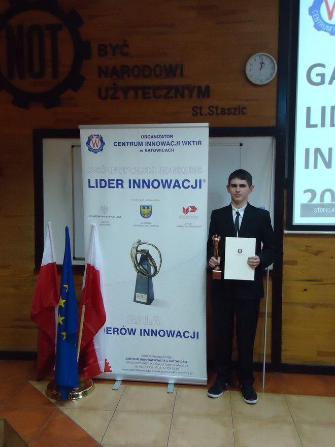 Dawid Harazim swoją statuetkę odebrał podczas gali w Katowicach