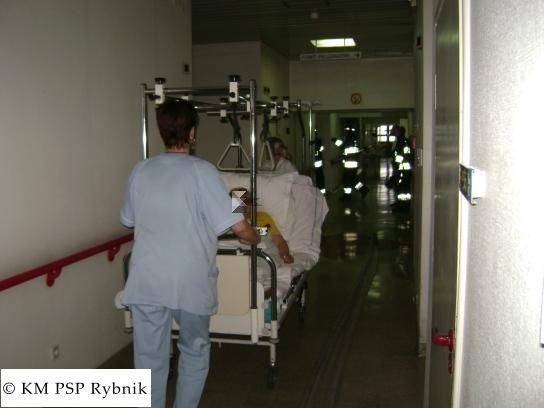 - Personel szpitala tak sprawnie poradził sobie z ewakuacją, że straż nie musiała nic robić - mówi Bogusław Łabędzki