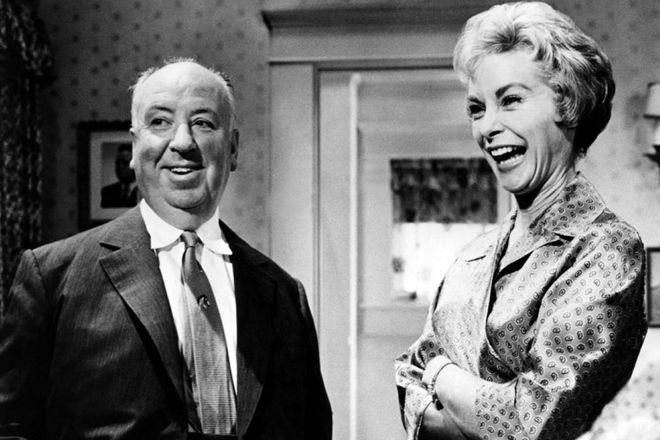 "Alfred Hitchcock i Janet Leigh na planie filmu ""Psychoza"""