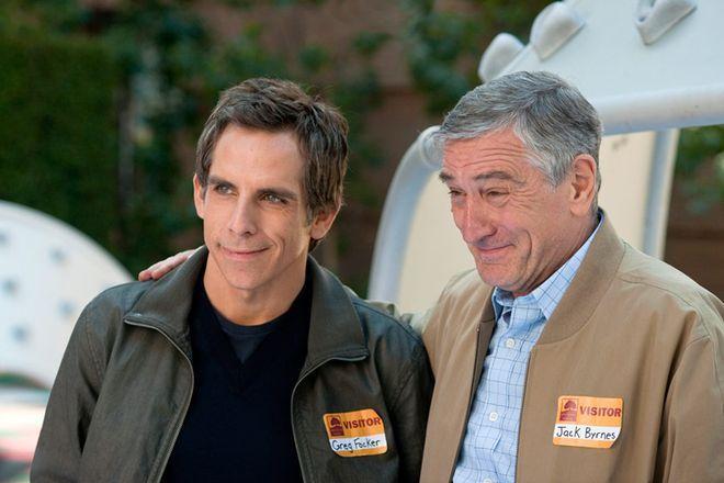 """Ben Stiller i Robert De Niro w filmie """"Poznaj naszą rodzinkę"""""""