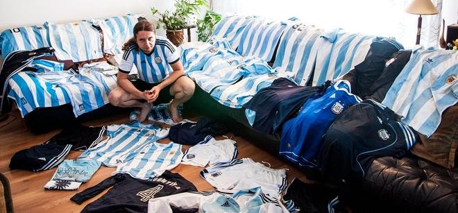Łukasz Kohut i jego kolekcja koszulek Argentyny
