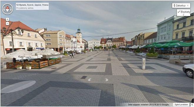 Dzięki funkcji Google Street View można przejść się wirtualnie po tak reprezentacyjnych miejscach jak rynek...