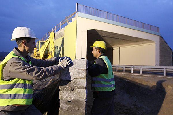 Robotnicy na plac budowy mają wrócić jeszcze w tym roku