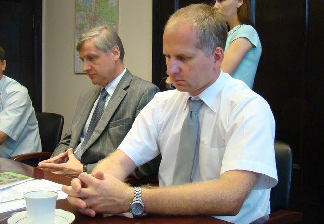 Tutaj Janusz Koper i Tomasz Pilis przy jednym stole w magistracie. Wkrótce moga się spotkać w sądzie