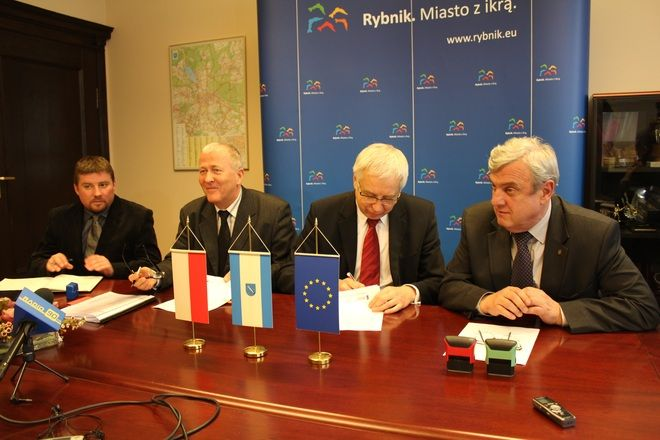 W poniedziałek władze Rybnika podpisały umowę z firmą Mota-Engil