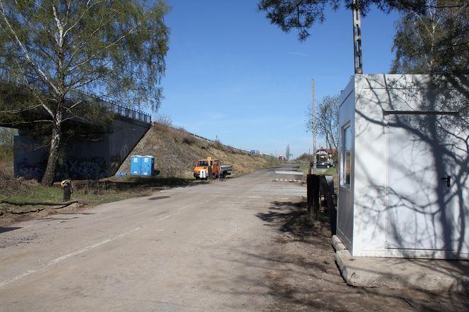 Kierowcy jeździć będą by-passem, przez tory należące do Kopalni Piasku Kotlarnia.