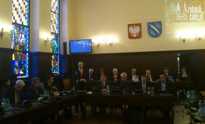 Rektor UŚ pojawił się na wczorajszej sesji rady miasta