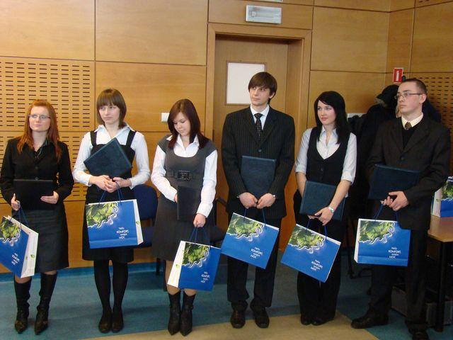 Studenci, którzy otrzymali stypendium ufundowane przez Elektrownię Rybnik