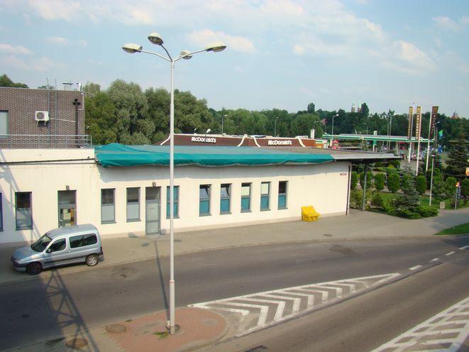 Przeciekający dach dworca już naprawiony. Teraz czas na remont pozostałej części budynku
