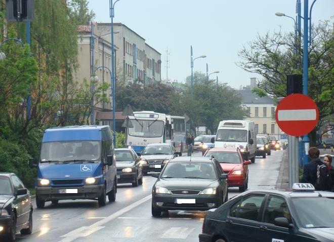 Korek na ulicy Kościuszki sięgał aż do dwroca PKP