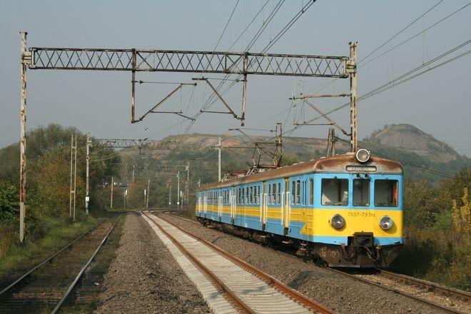 Po trwajacym prawie rok remoncie czas jazdy pociagu z Wodzislawia do Rybnika wyniesie 16-20 minut czyli krócej od pospiesznego autobusu E-3 (zakładając że autobus nie stoi w korkach na Wodzisławskiej).