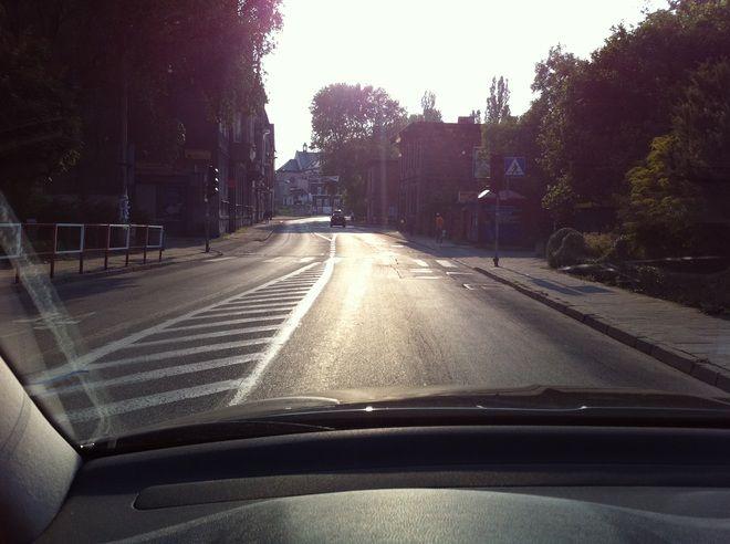 Ulica Hallera około 18:00. Zdjęcie nadesłał nam jeden z czytelników. - O tej porze w tym miejscu zwykle stoję w korku - pisze internauta.