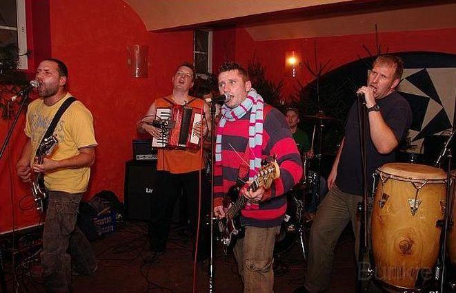 Zespół Bunkier podczas koncertu