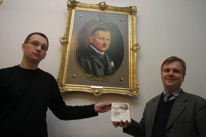 """W 2009 roku historycy z Muzeum - Dawid Keller i Bogdan Kloch zapowiedzieli, że """"Zarys dziejów Rybnika (do 1989 roku)"""" to tylko wstęp o monografii naszego miasta. Słowa dotrzymali"""