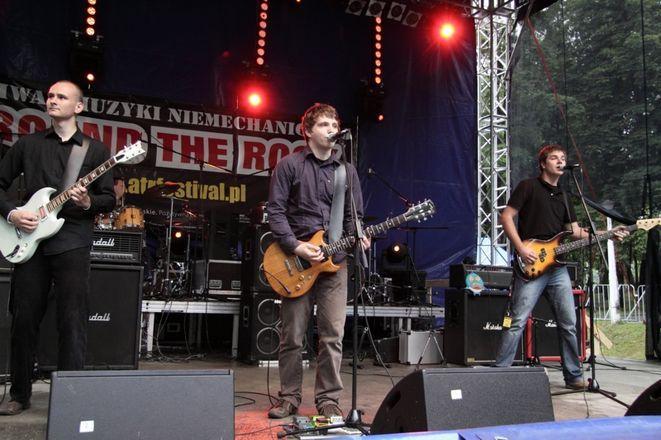 Zespół Kurczat podczas koncertu.