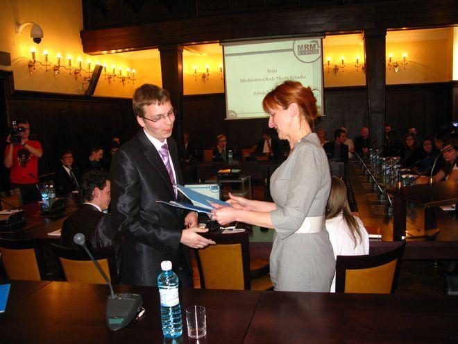 Młodzi samorządowcy odebrali gratulacje za dotychczasową działalność