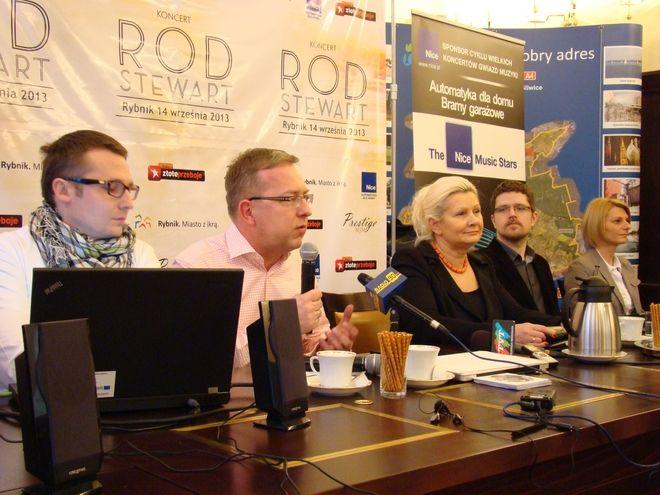 Ewa Ryszka po miesiącu nieobecności prezydenta przejęła pełnię jego obowiązków. Na zdjęciu podczas konferencji prasowej w sprawie koncertu Roda Stewarta