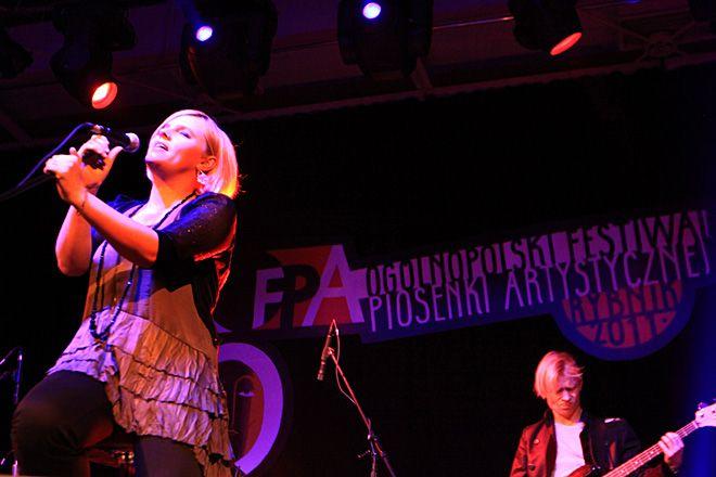 Ania Dąbrowska porwała publiczność swoim śpiewem