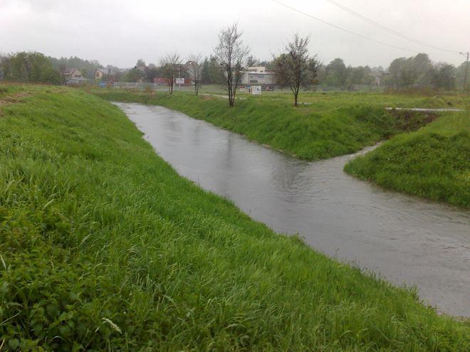 Poziom rzek ciagle się podnosi, dlatego zagrożenie powodzią jest coraz większe