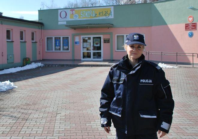 Wśród kandydatów nie zabrakło pań. Na zdjęciu sierż. szt. Małgorzata Koniarska, pełniąca służbę w dzielnicy nr 12 obejmującej: Kamień, Grabownię, Golejów i Ochojec.