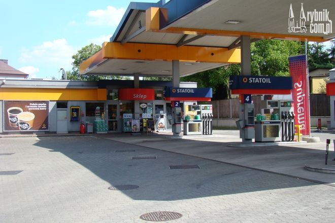 Napad miał miejsce na stacji benzynowej Statoil przy ul. Kotucza