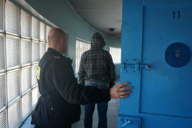 Jeden z zatrzymanych złodziei
