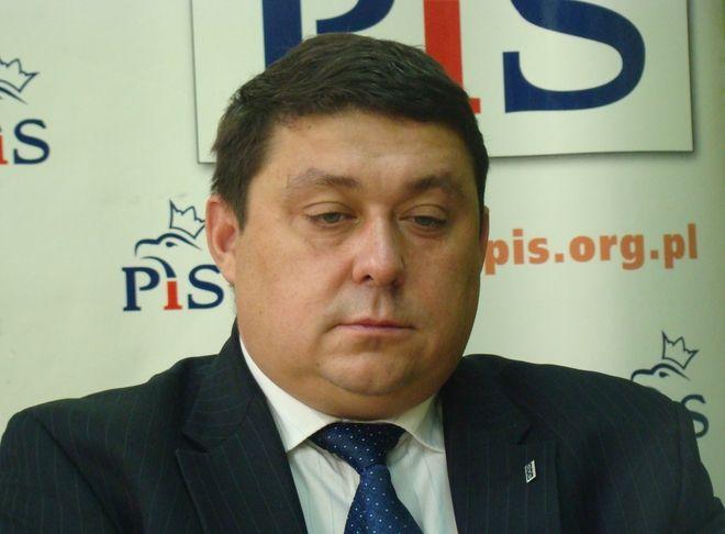 Podeł Grzegorz Janik (PiS) nie zgadza się ze słowami Marka Krząkały (PO)