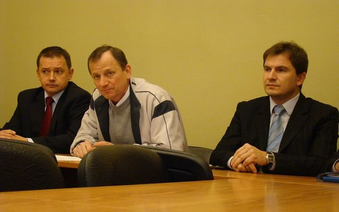 Józef Makosz (w środku) powalczy o głosy wyborców przy wsparciu Marka Jędrośki (z prawej)