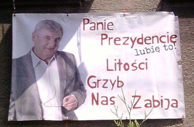Zdjęcia baneru na kamienicy przy Rudzkiej nadesłał nam jeden z naszych czytelników