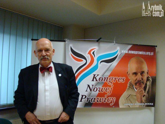 Janusz Korwin-Mikke marzy by zostać senatorem, teraz ma szansę startować w wyborach uzupełniających