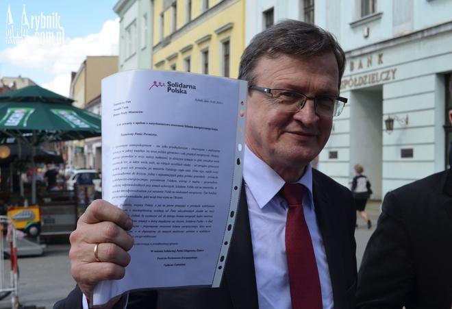 Tadeusz Cymański na rybnickim rynku