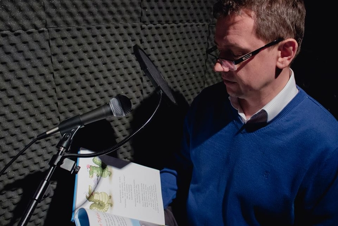 Marek Krząkała czyta bajki